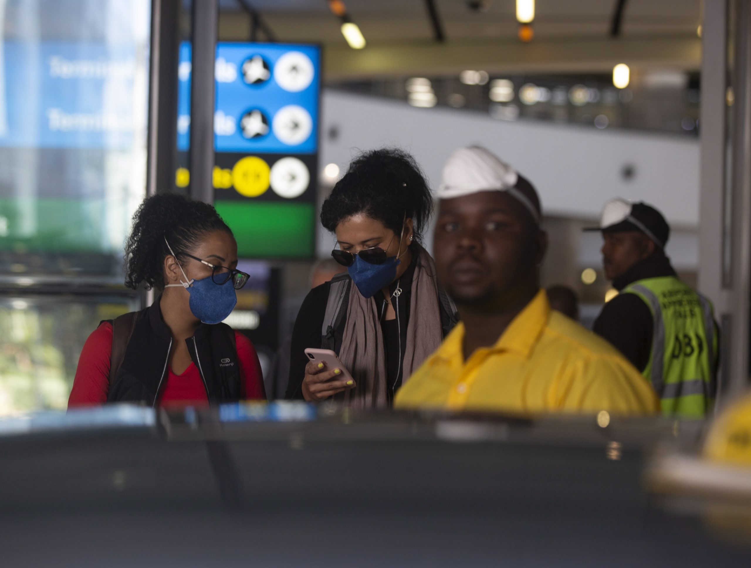 Coronavirus: 2 African presidents defy own travel bans as cases soar above 1,000