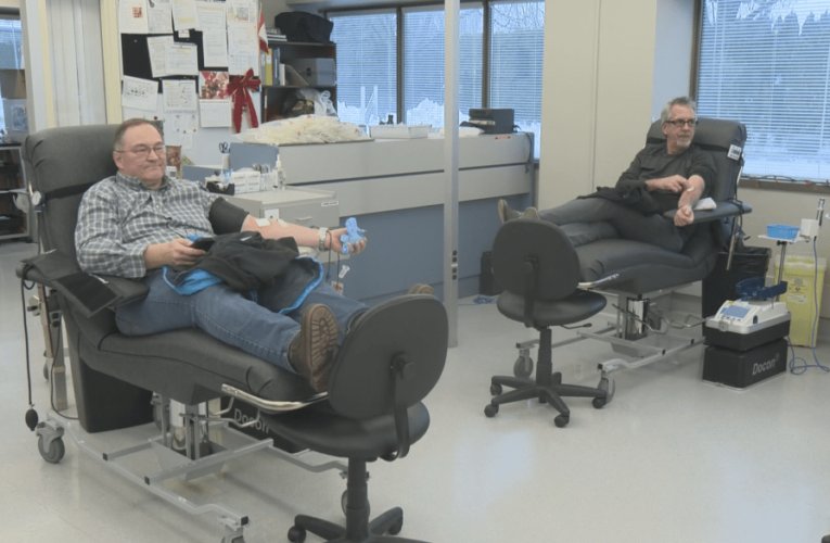 Coronavirus: Canadians give 'tremendous' response to call for blood donors