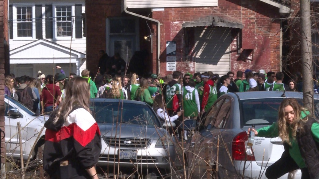 Going out for St. Patrick's Day? London police urge revellers to reconsider amid coronavirus concerns