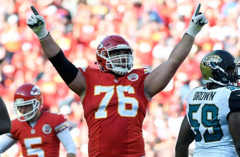 Laurent Duvernay-Tardif helps out Quebec long-term care facility amid coronavirus crisis
