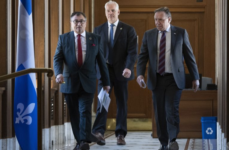 Montreal's reopening may be pushed back again amid coronavirus crisis, Quebec premier says