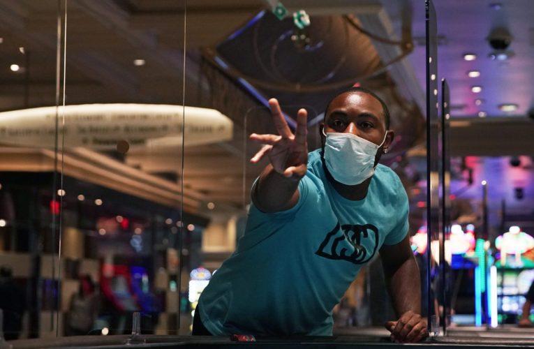 Cashless gambling? How coronavirus may change Canada's casinos