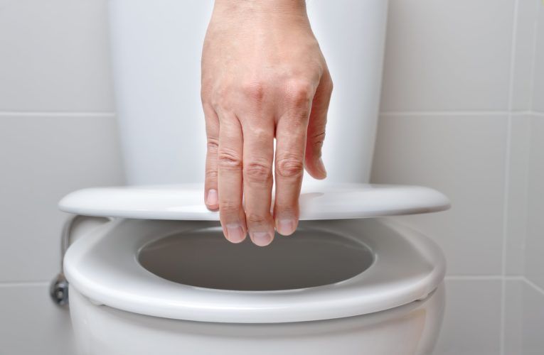 Is toilet flushing a COVID-19 risk? Experts say 'focus on interventions that matter'