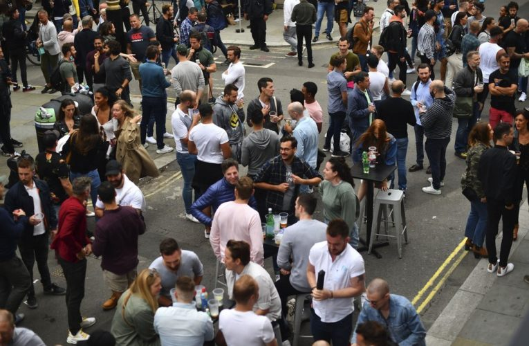 Coronavirus: England assesses decision to reopen pubs amid COVID-19