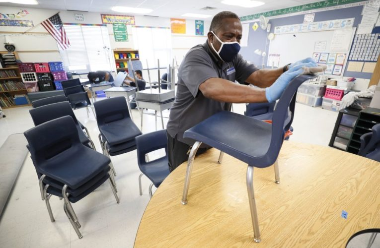 Coronavirus: U.S. schools can only reopen if bars, gyms stay closed, experts say