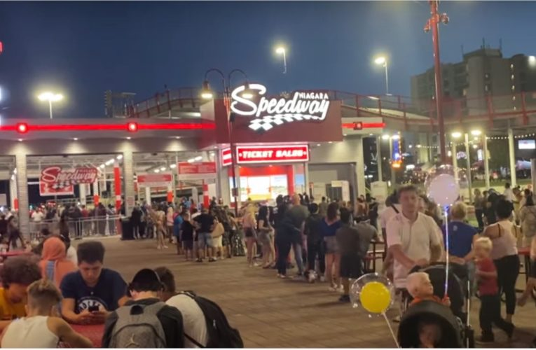 Coronavirus: Video shows large crowds and little physical distancing in Niagara Falls
