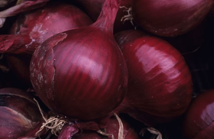 Red onions from the U.S. could contain salmonella, health officials warn