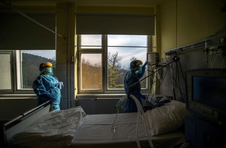 Strokes, 'lumpy' lungs: what doctors know about unusual ways coronavirus attacks your body