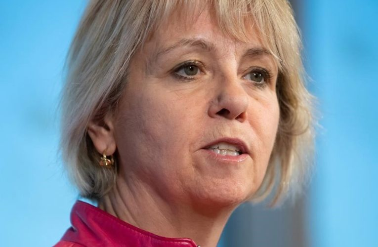 B.C. health officials to present modelling data as COVID-19 cases climb