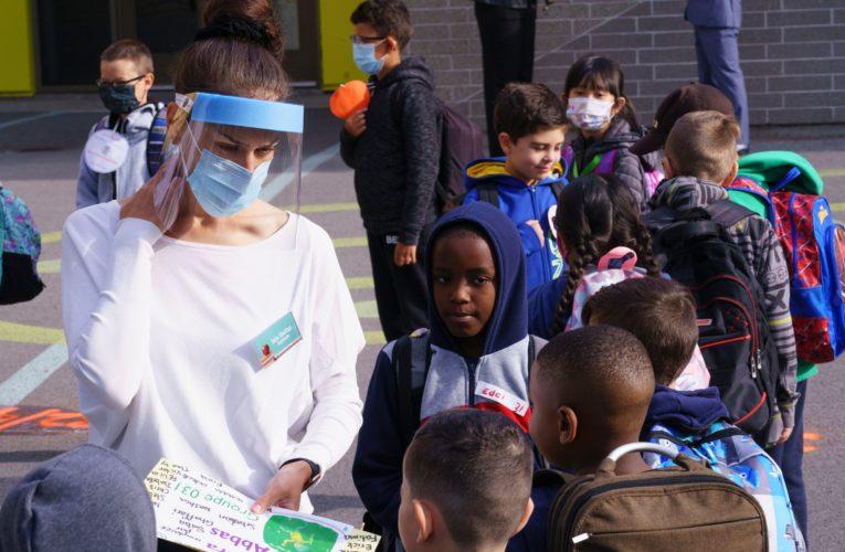 Coronavirus: Quebec students in English schools head back to class