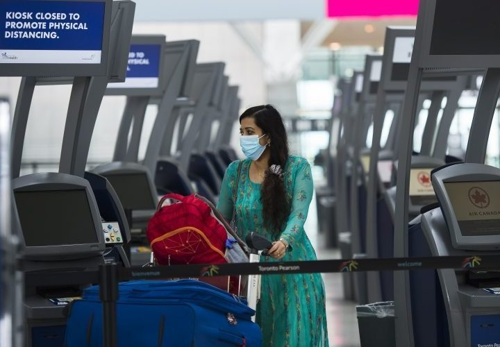 Coronavirus: Canada's airlines agree to new rules to help with contact tracing