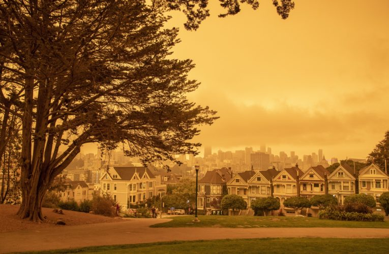 Dangerous air from U.S. wildfires seeping into homes, businesses and cars: scientists