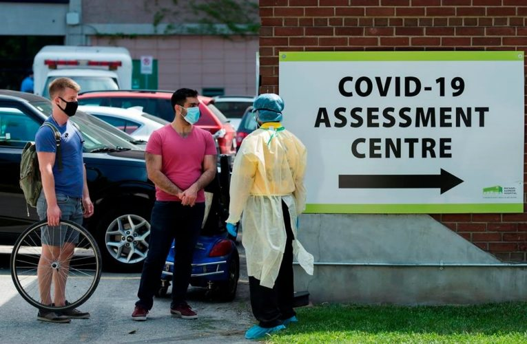 Immigrants, refugees make up almost half of Ontario's COVID-19 cases: report