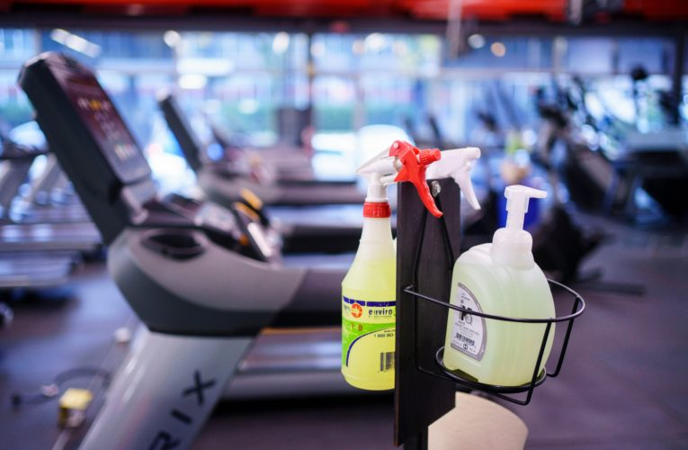Quebec gym owners, clients who flout COVID-19 red zone rules will face fines: Legault