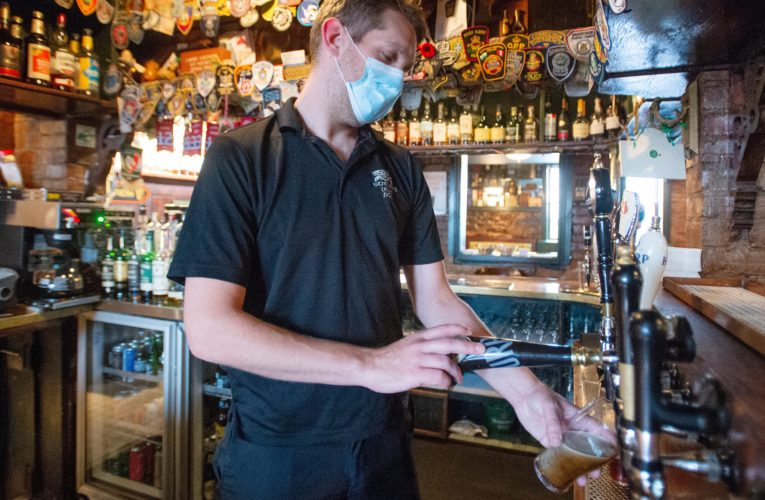 Quebec offers financial help to restaurants, bars ordered to close under coronavirus lockdown