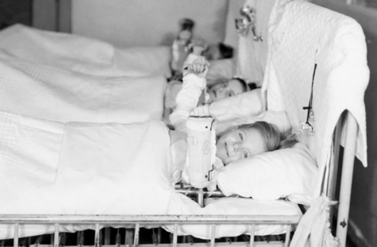 A polio disaster helped shape vaccine safety. Here's why that matters for the coronavirus