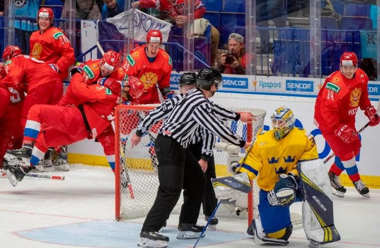 All officials for world junior hockey championship in Edmonton will be from Canada