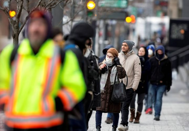 Canada adds 2,330 more coronavirus cases Sunday