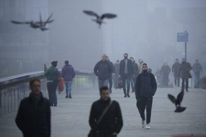 England, Greece, parts of Italy return to coronavirus lockdown