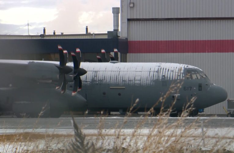 Canadian Forces troops arrive in Calgary to help in national COVID-19 response