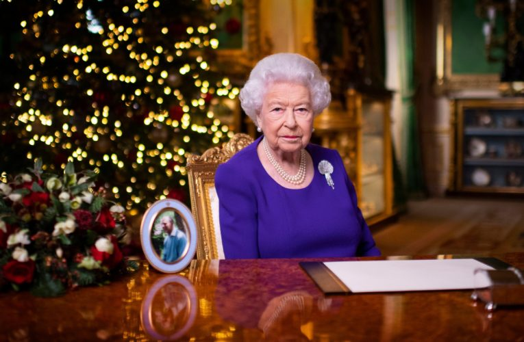 'Simple hug': Queen delivers hopeful Christmas message amid COVID-19 pandemic