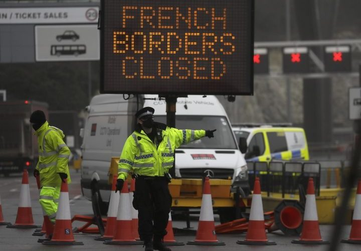 U.K. COVID-19 variant: Thousands of truckers stuck at border on Christmas Eve