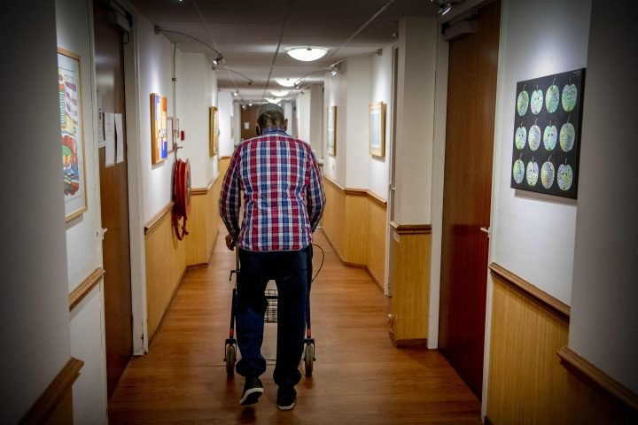Visit restrictions amid COVID-19 caused 'spike in depression' in long-term care homes
