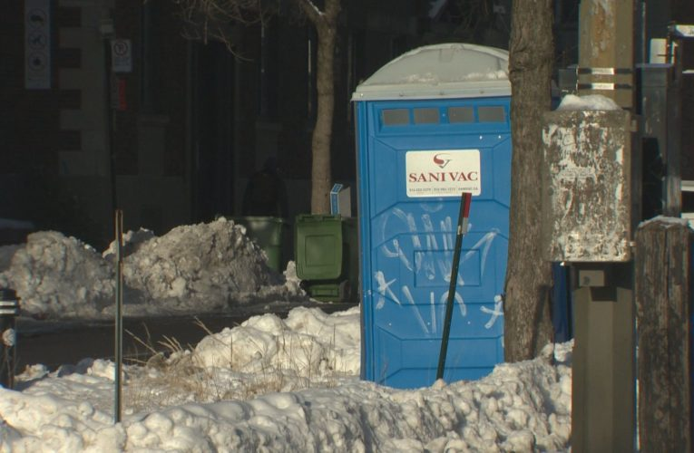 Coroner investigating death of Montreal homeless man found inside portable toilet