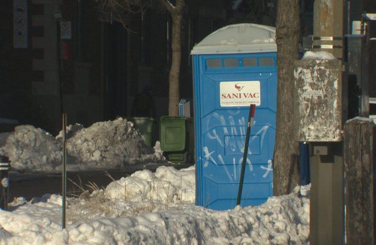 Coroner investigating death of Montreal homeless man inside portable toilet