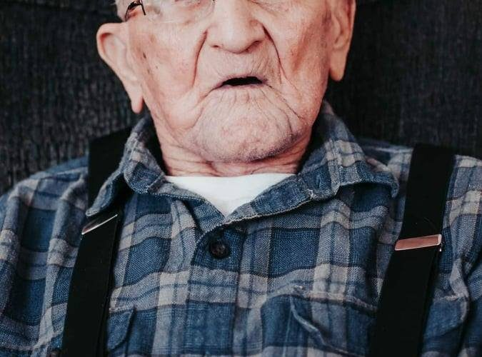 N.B. man believed to be oldest Canadian-born man flooded with birthday cards