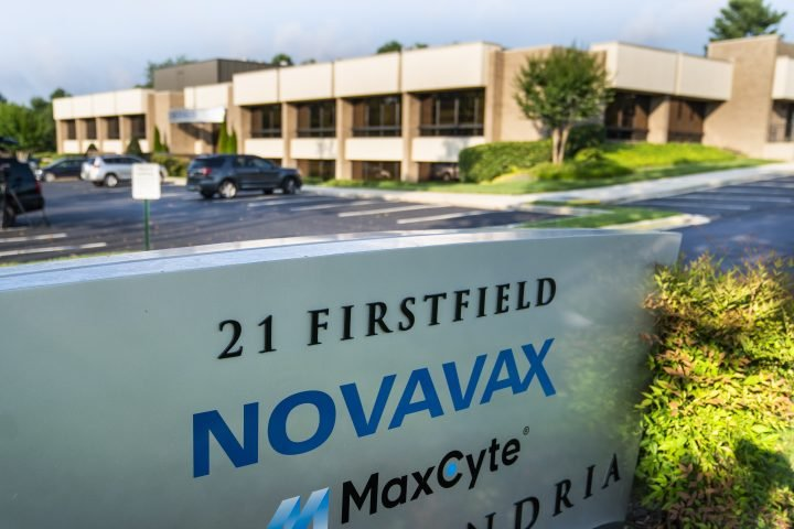 Novavax submits coronavirus vaccine to Health Canada for approval