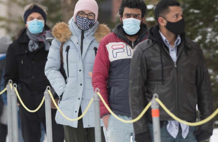 Quebec reports 2,546 new coronavirus cases, 32 more deaths as hospitalizations climb