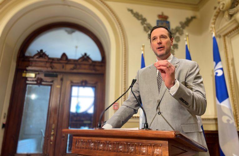Coronavirus: Upcoming school break will go ahead in Quebec, education minister says