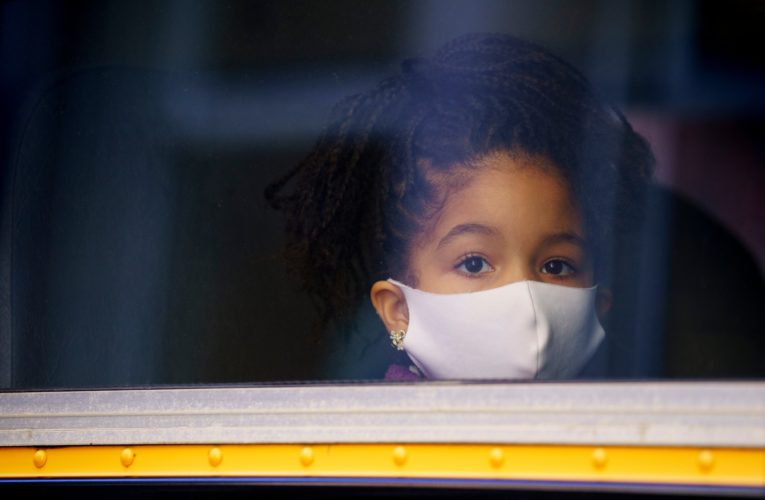 Mandatory masks for elementary students in Quebec red zones will 'lower risk' of COVID-19 outbreaks