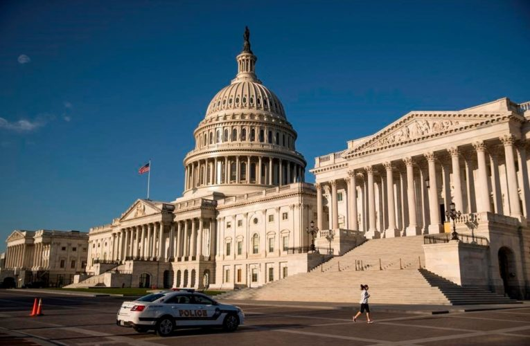 U.S. House narrowly passes Biden's $1.9T COVID-19 relief bill, clearing 1st hurdle