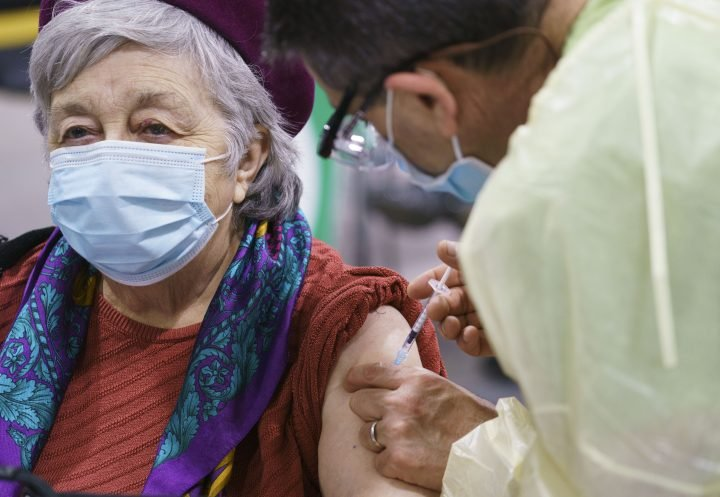 COVID-19 vaccine: Second dose delay 'more risky' for seniors, experts warn