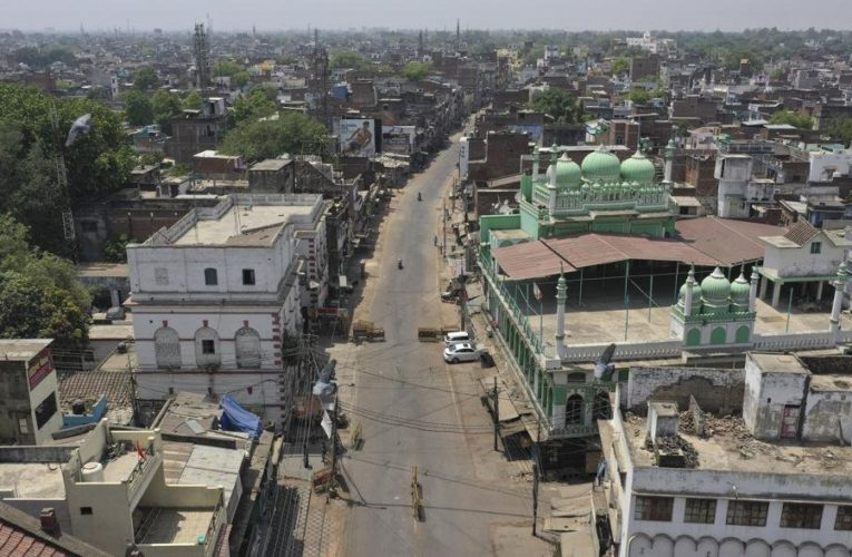 India's crematoriums overwhelmed as COVID-19 cases surge