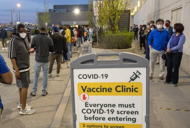 Ontario reports nearly 2,200 new COVID-19 cases, 30 more deaths
