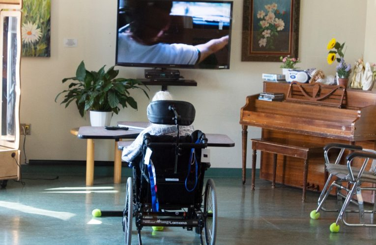 COVID-19: Quebec relaxes rules in long-term care homes, private seniors' residences
