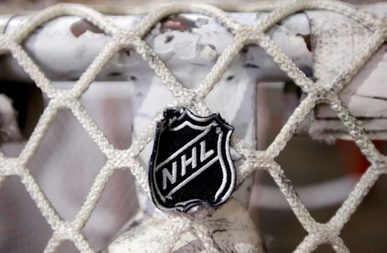 Feds to allow winner of NHL North Division to cross Canada-U.S. border amid COVID-19