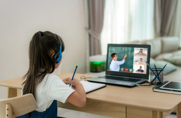 Most parents believe e-learning failed kids during COVID-19 pandemic, Ipsos poll finds