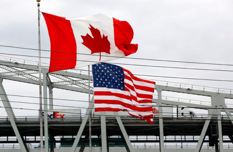 Canada-U.S. border news lauded by lawmaker who fought COVID-19 travel rules