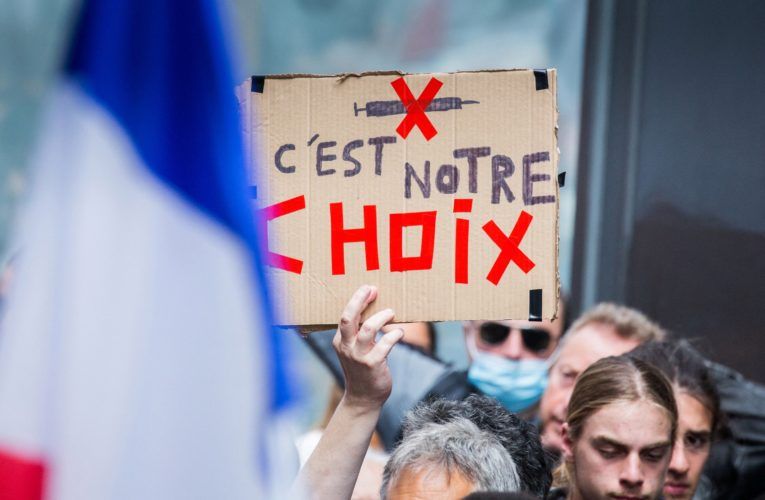 France's far right take to the streets in protest of COVID-19 vaccine rules