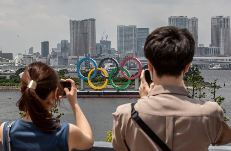 Tokyo's daily COVID-19 infections hit record high as Olympics continue