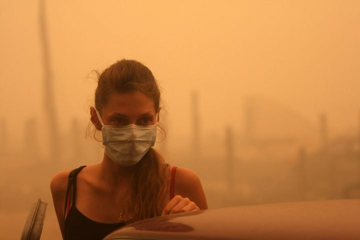 Double trouble: Wildfire smoke increasing the risk of COVID-19, experts warn