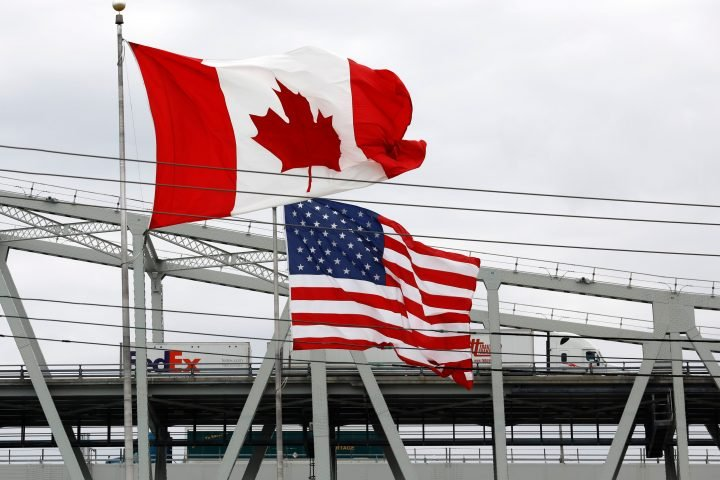 U.S. advises citizens to 'reconsider travel' to Canada amid rise in COVID-19 cases