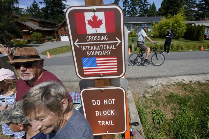 Canadian snowbirds concerned as U.S. land border closure drags on