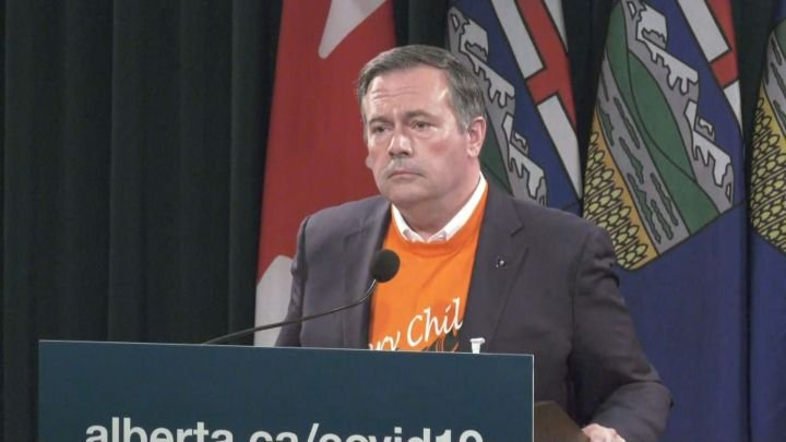 COVID-19: Kenney says Alberta to accept help from feds, N.L as health system under 'enormous pressure'