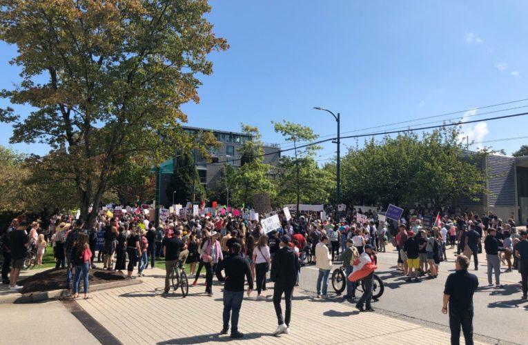 COVID-19: Protesters target several B.C. hospitals, decry vaccine 'tyranny'