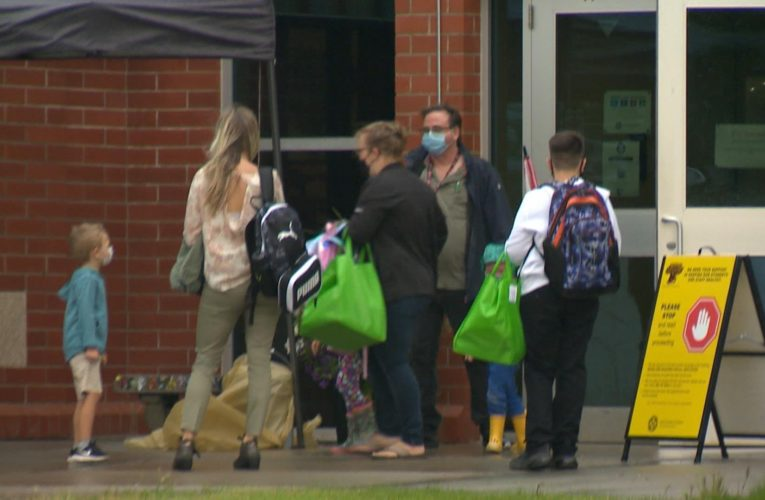 Days after schools open, COVID-19 outbreaks force many across Canada to close